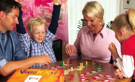 Typisch sind laut einer Ravensburger-Studie beim Spielen Verhaltensmuster aus dem Alltag, die noch deutlicher zutage traten. Foto: Ravensburger