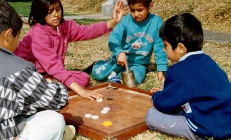 Psychologen stellen immer wieder fest, dass Spielen eine eine zentrale Bedeutung für die Entwicklung von Kindern besitzt. Foto: Alexander Gabriel/SOS-Kinderdörfer weltweit