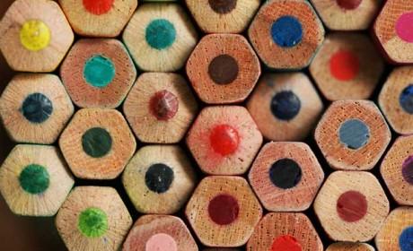 Was darfs denn sein? Blau, rot, grün oder gelb? Die Lieblingsfarbe von Brettspielern kann etwas über ihren Charakter verraten. Foto: Flügelwesen/photocase.de